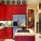 Красная кухня в дизайне интерьера