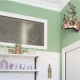 Окно между кухней и ванной: для чего нужно, как его задекорировать или убрать?