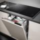 Можно ли ставить посудомойку под варочную панель и как это сделать?
