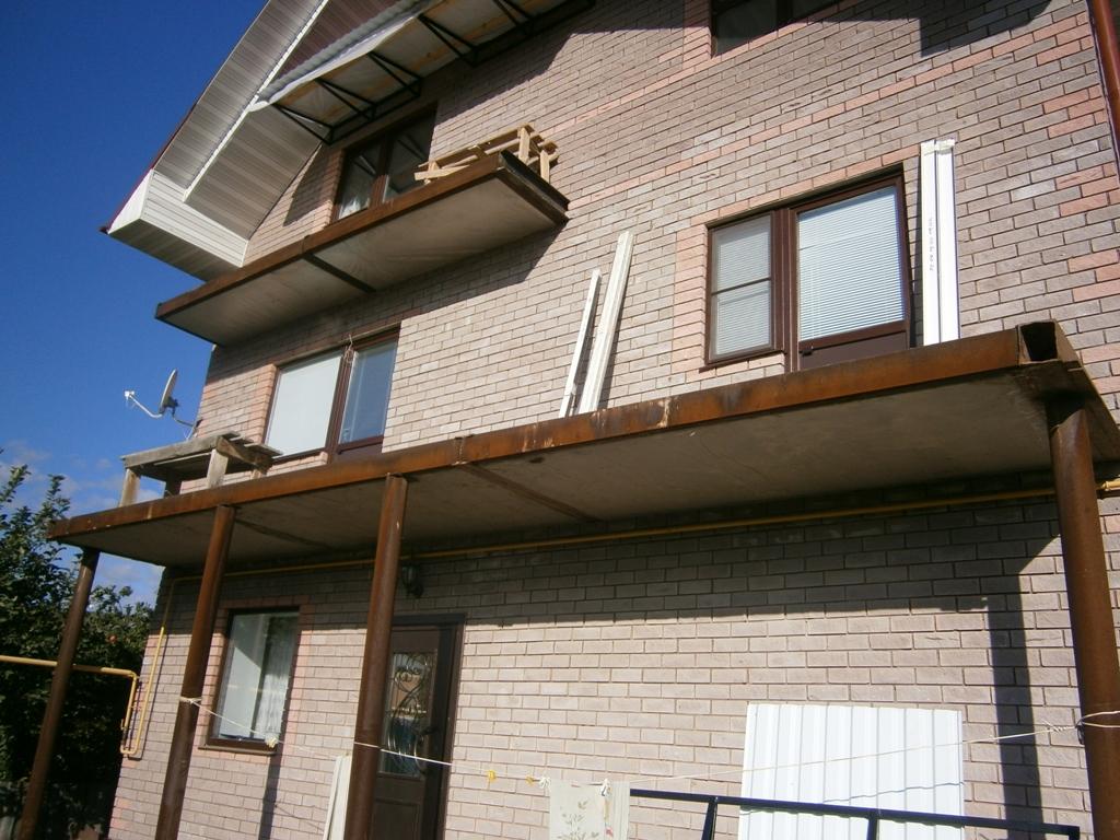 Балкон своими руками в частном доме фото