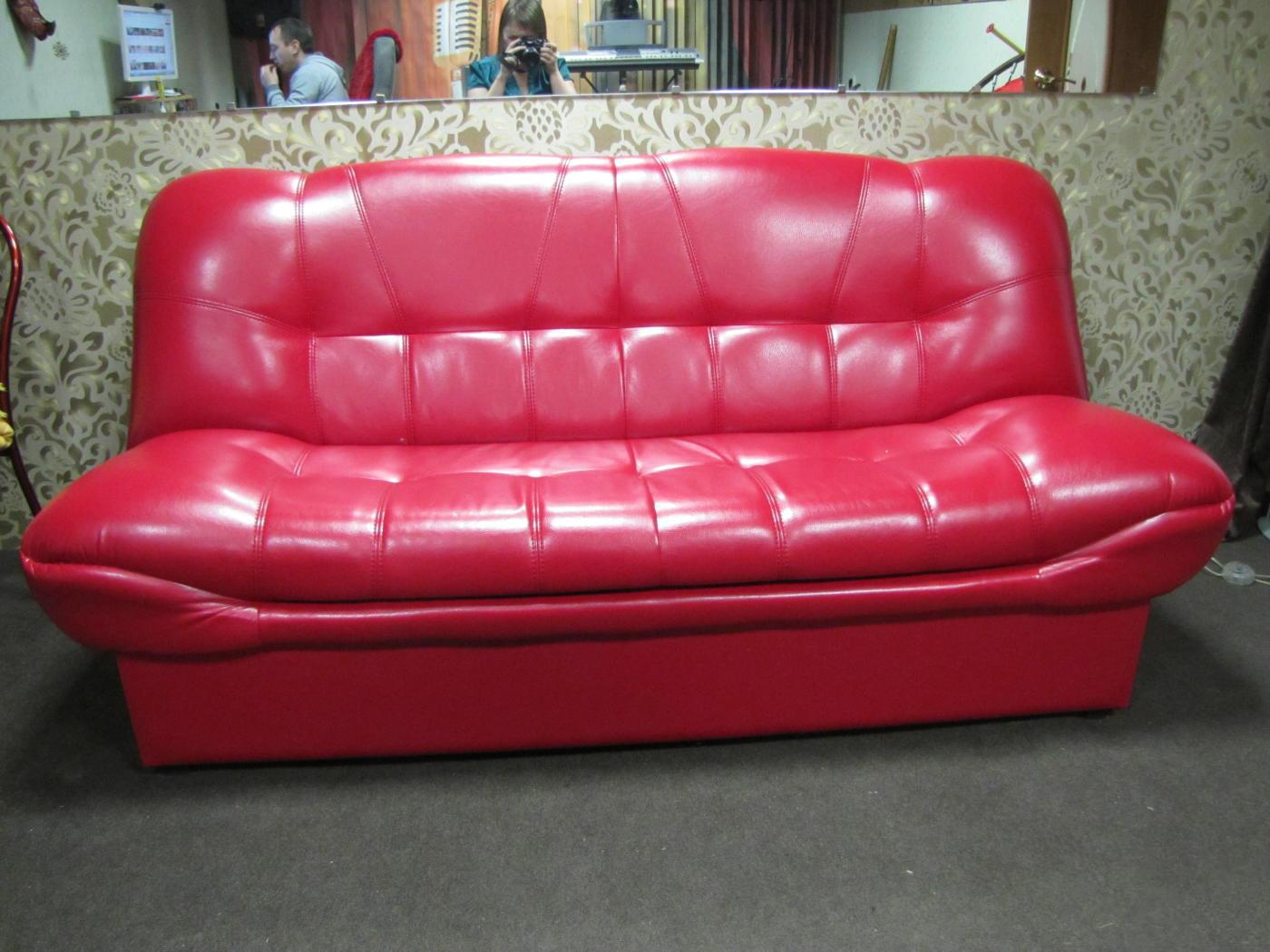 eeb6a98e7a46 Сегодня производители мебели предлагают самые разные варианты заменителя  кожи для обивки диванов. Среди них: