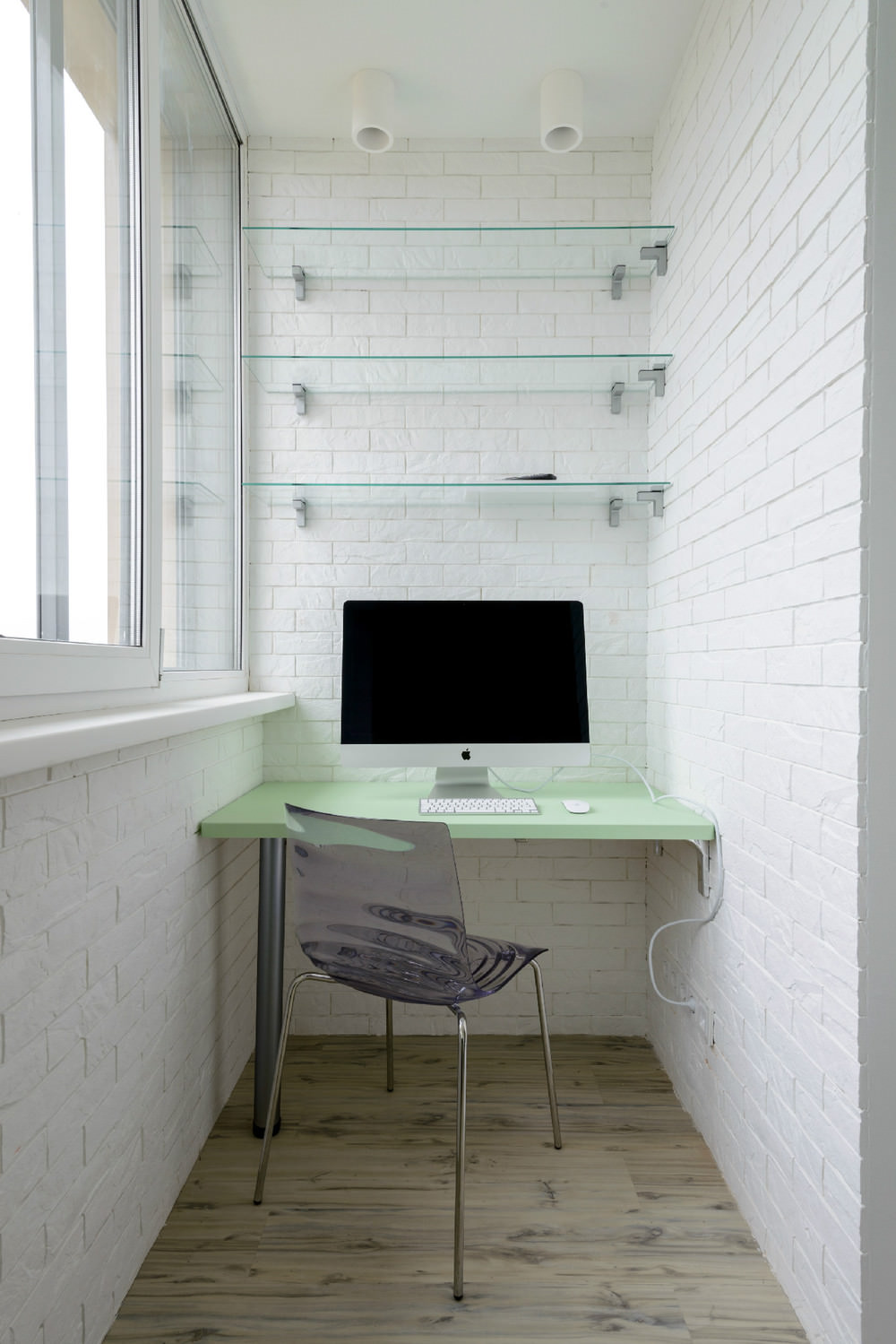 Балкон дизайн белый кирпич