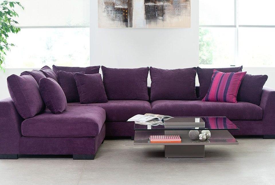 Угловой диван сиреневого цвета