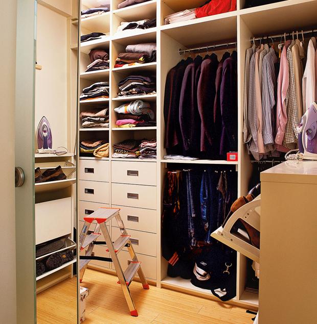 Дизайн гардеробная из кладовки