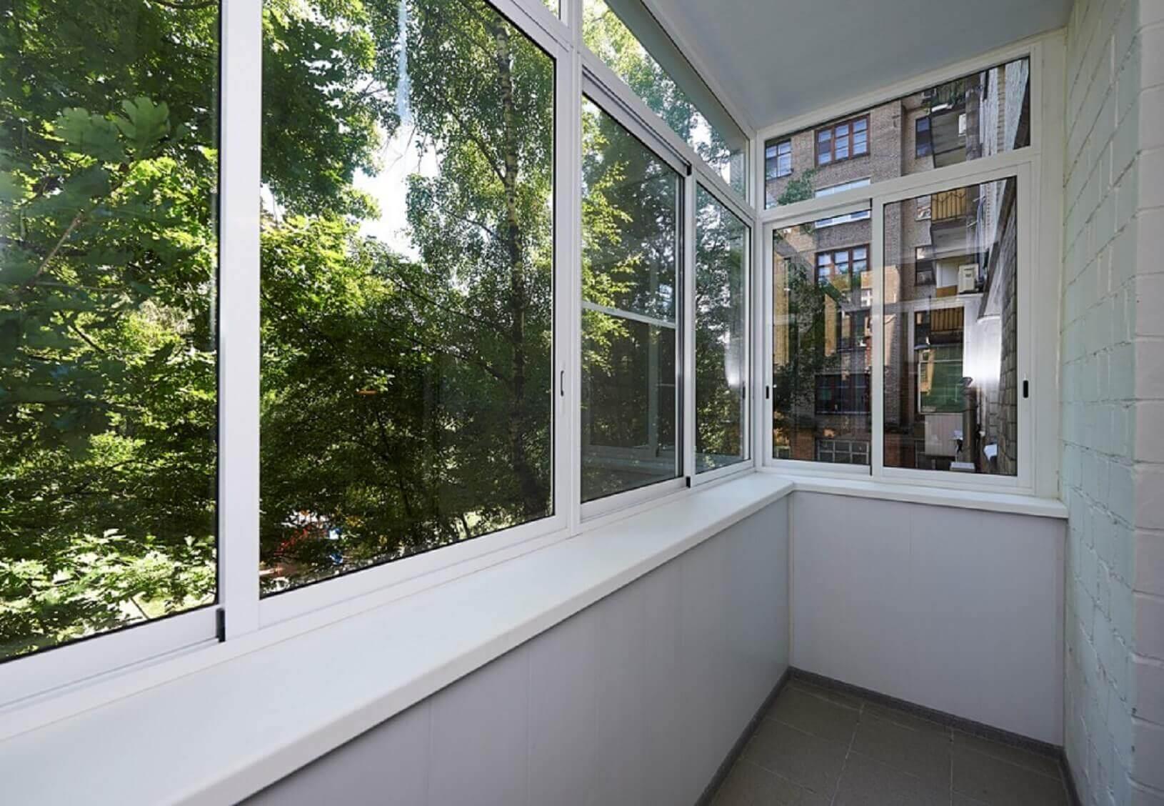 Пластиковые окна на балкон или лоджию еврострой.