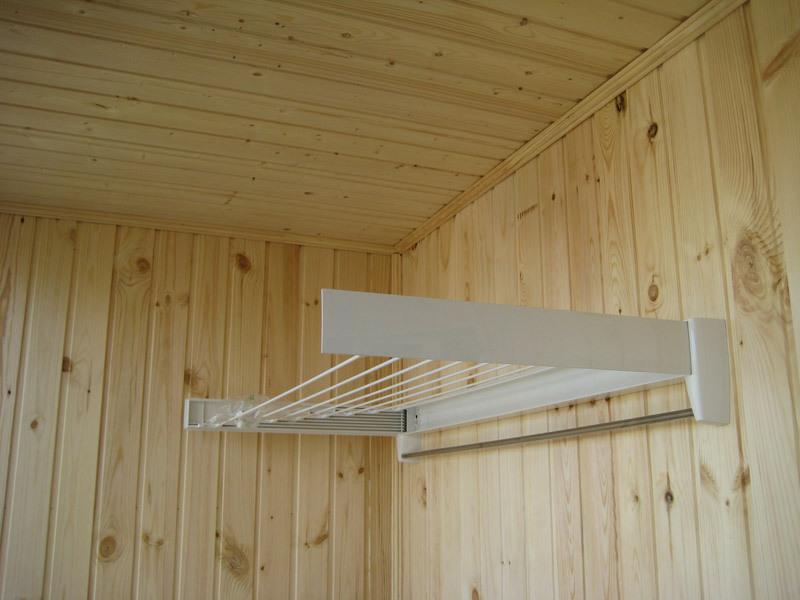 Бельевая вешалка на балкон