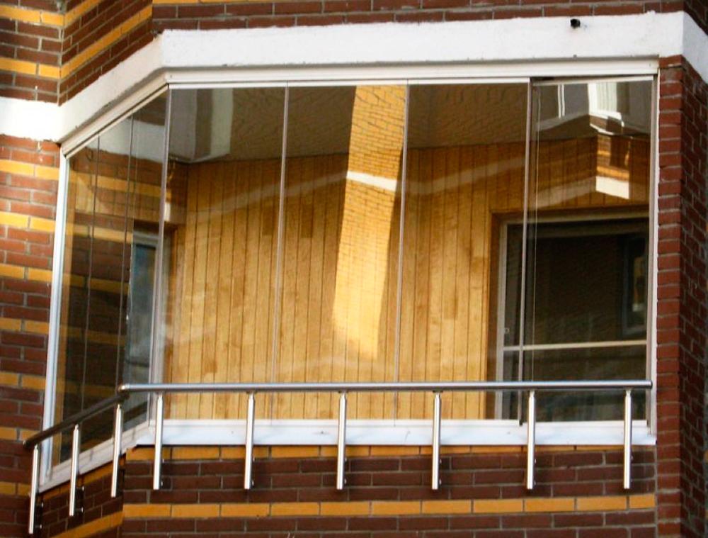 Остекление балконов в хрущевке (28 фото): с выносом и крышей.