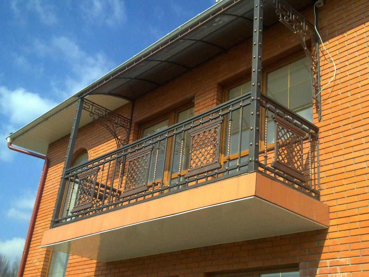 Ковані балкони - виготовлення балконів та перил для будинку.