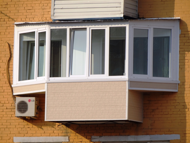 Застеклил балкон без разрешения.