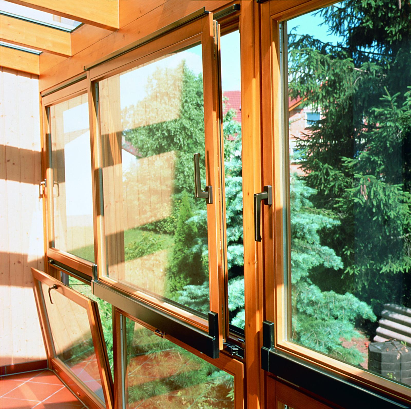 Какой выбрать тип открытия окон для остекления балконов стат.