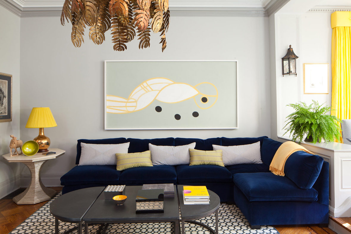 Интерьер с синим диваном фото