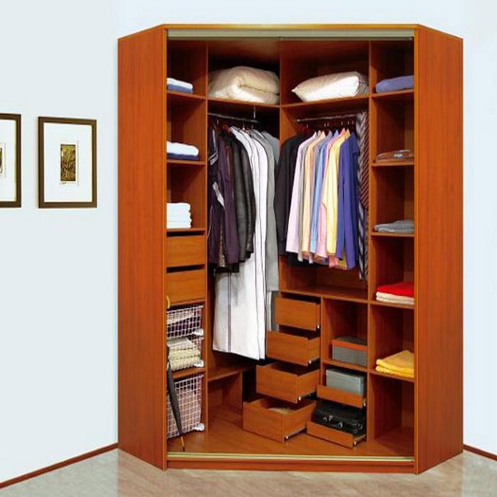 Угловой шкаф-купе (126 фото): встраиваемый в спальню, прихож.