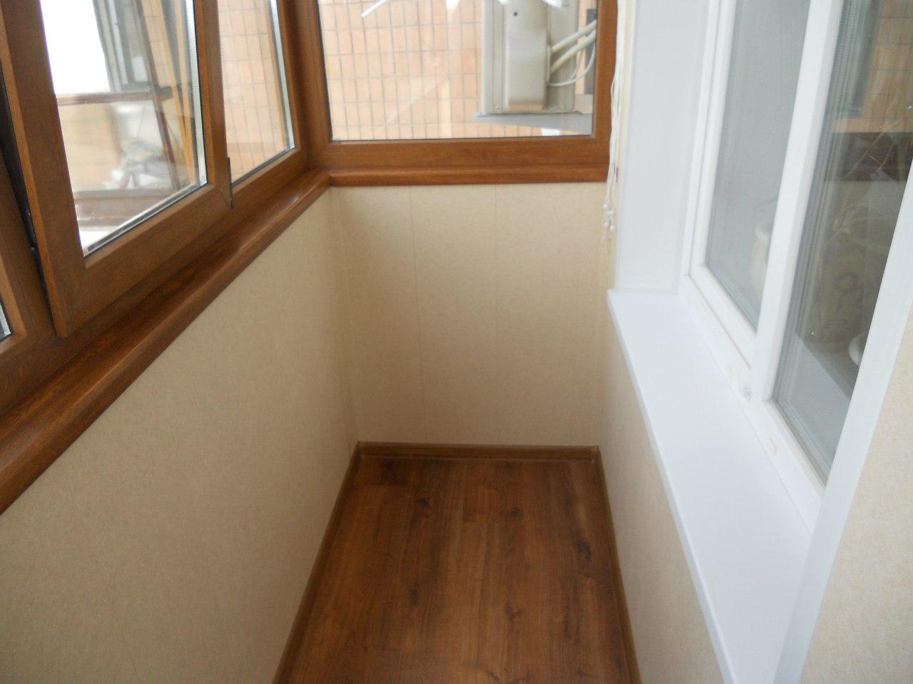 Обшитый балкон в доме 65 10.