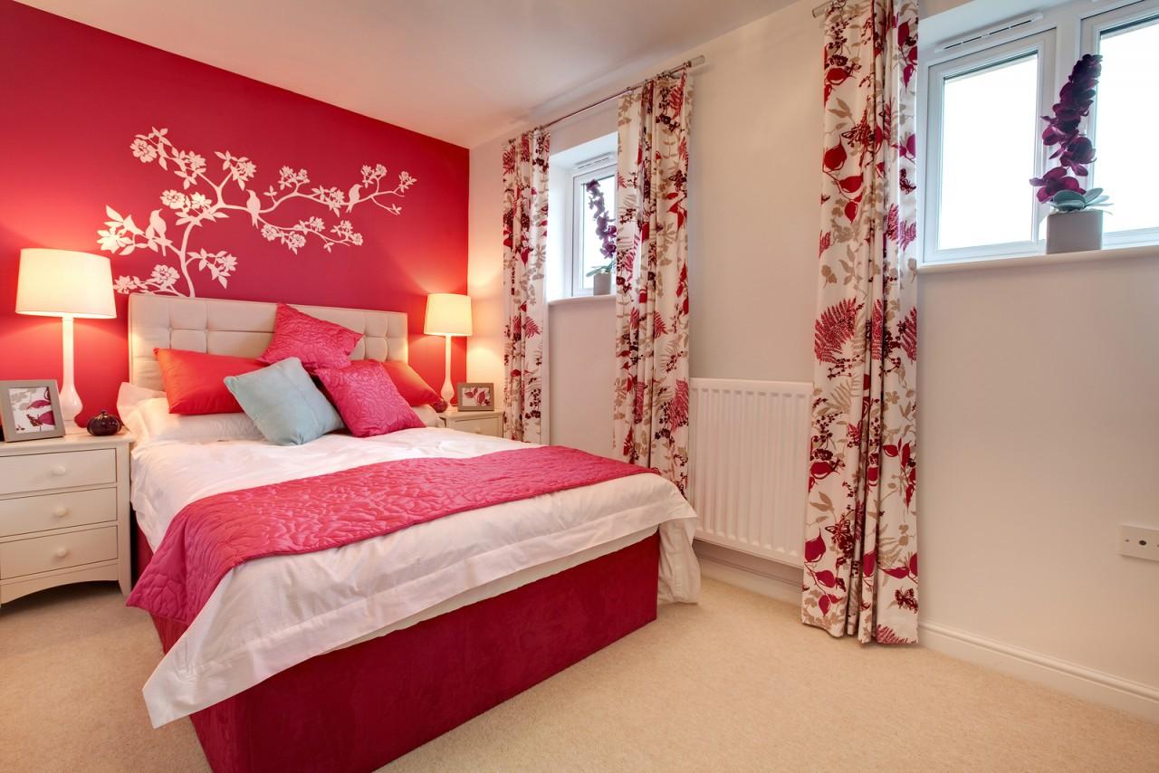 Спальная комната с цветами дизайн