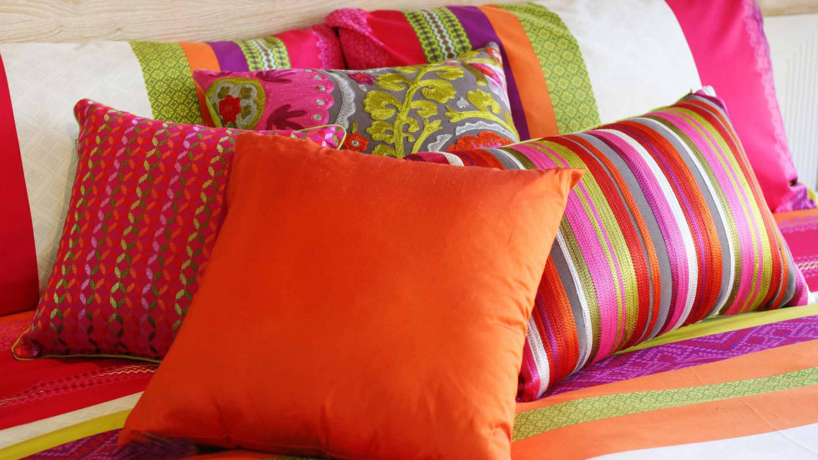 Пошить подушки на диван своими руками с фото