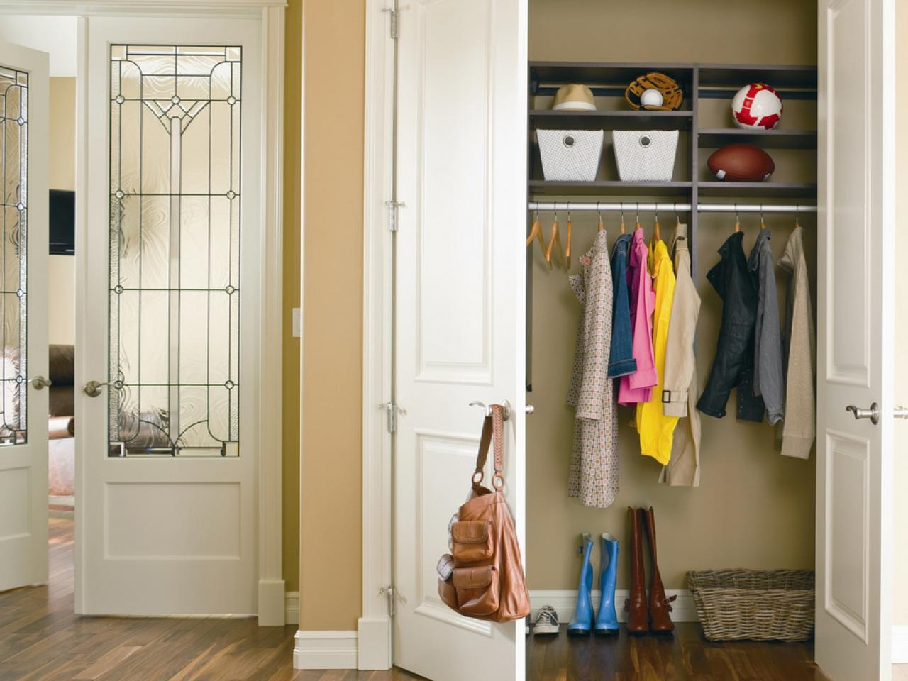 Двери для гардеробной - фото обзор лучших вариантов.