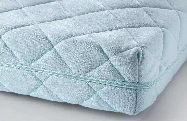 Балдахин на детскую кроватку плотный