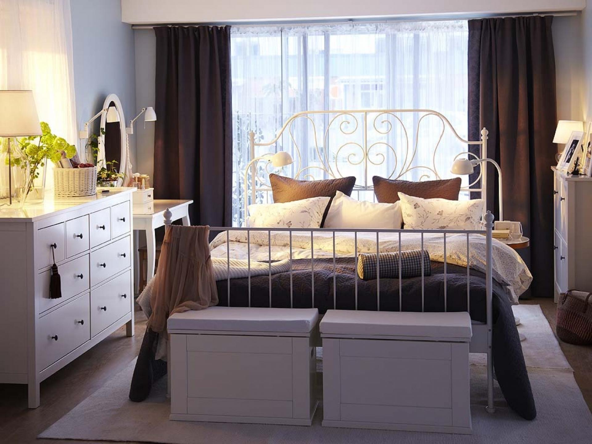 Кровать лейрвик фото в интерьере
