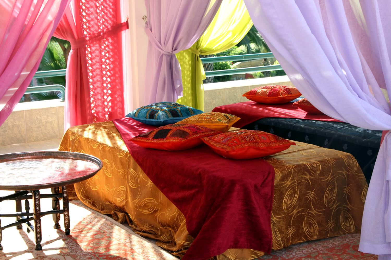 Марокканский стиль в интерьере: воплощение восточной сказки.
