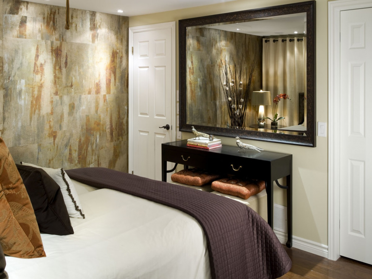 Modern mirrors for bedroom