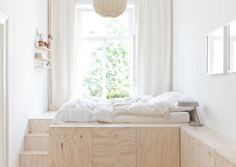 Кровати у окна своими руками 30