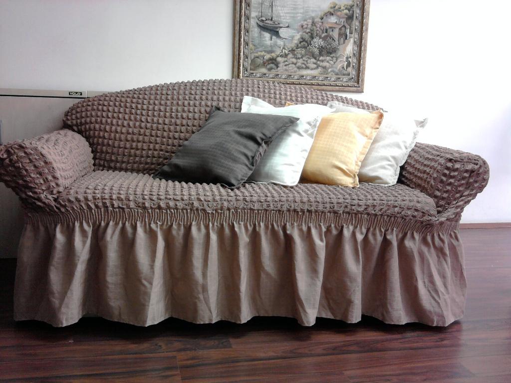 Чехол на угловой диван (64 фото): универсальный еврочехол на резинке своими руками