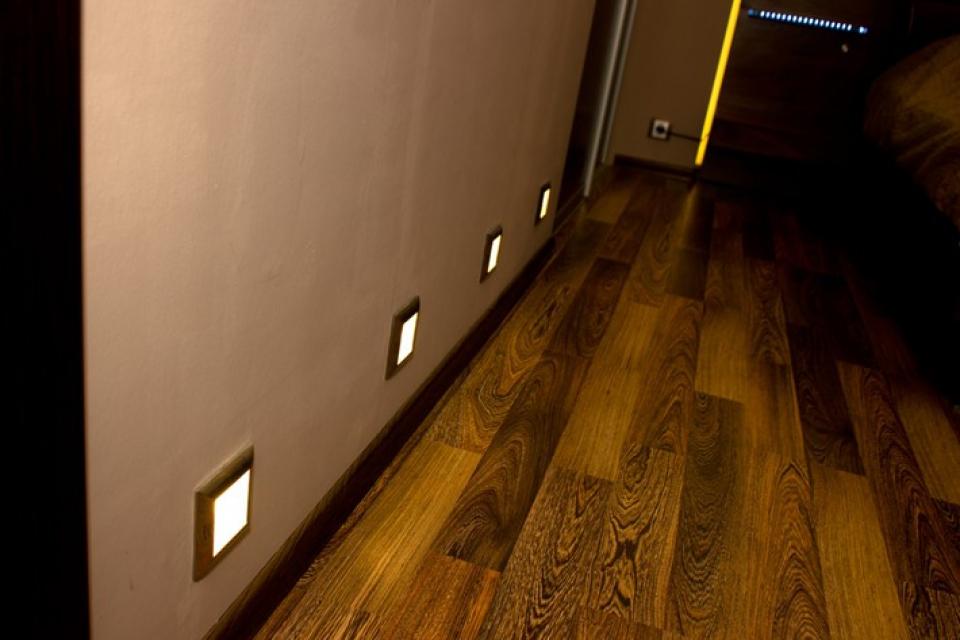 светильники для подсветки пола в коридоре выбор автомобильного ковролина