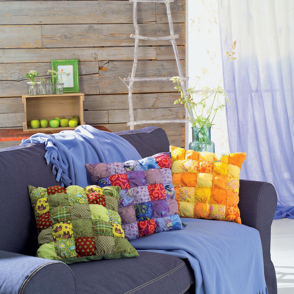podushki-v-stile-pechvork-1 Цветочные пэчворк подушки своими руками схемы