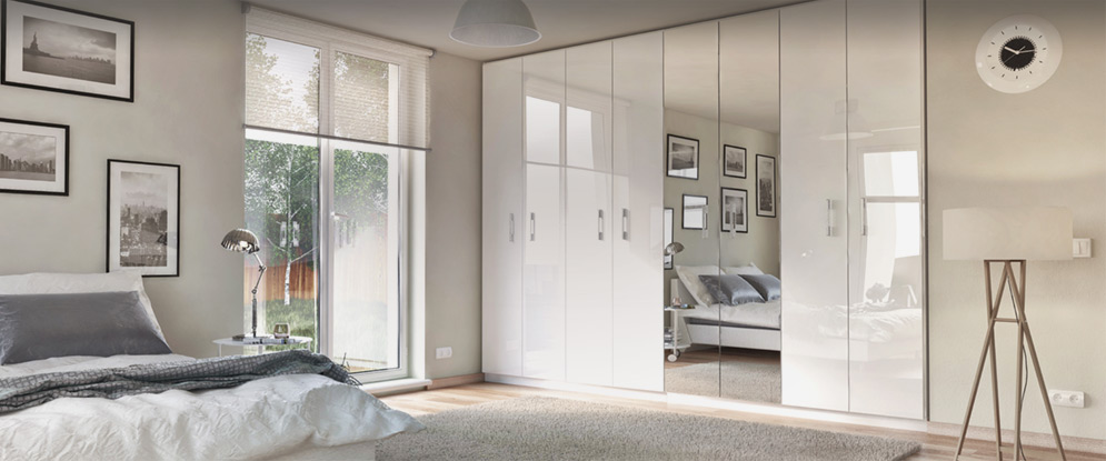 Распашной шкаф в спальню (18 фото): варианты мебели с распаш.