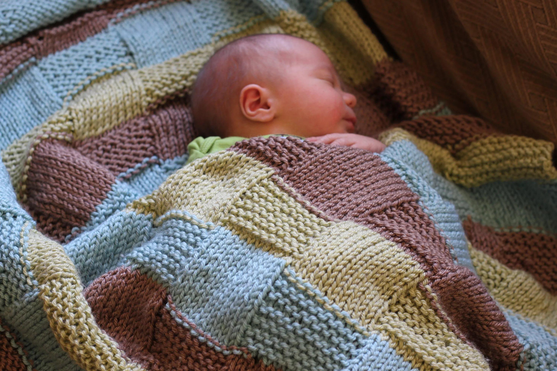 Вязание пледа для новорожденных