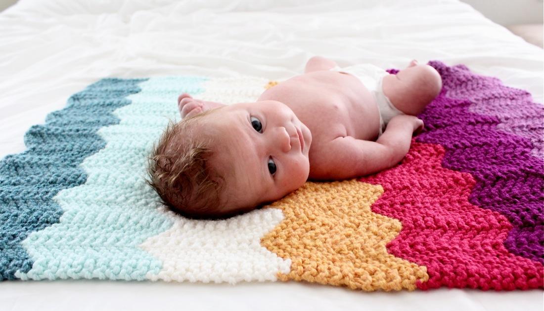 Вяжем для новорожденных плед