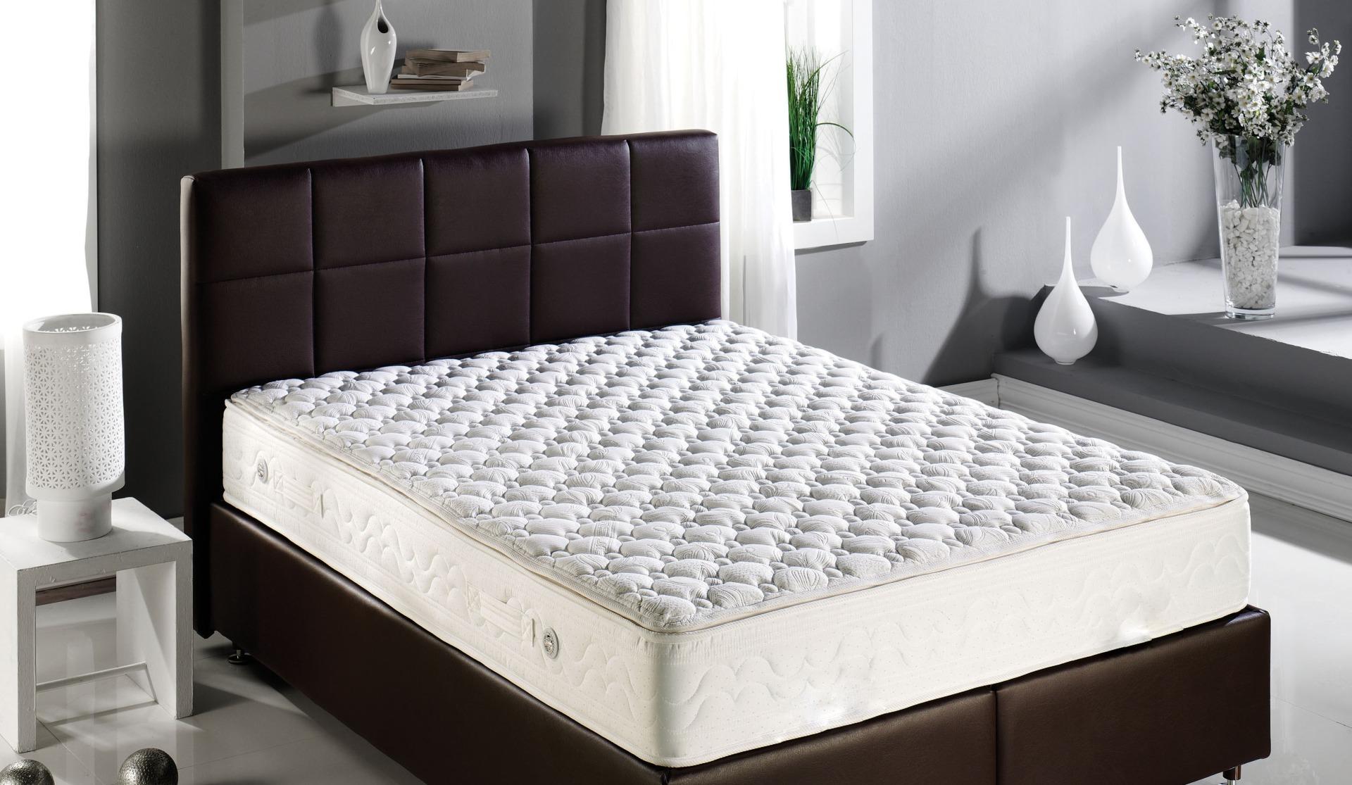 Як вибрати матрац для спальні