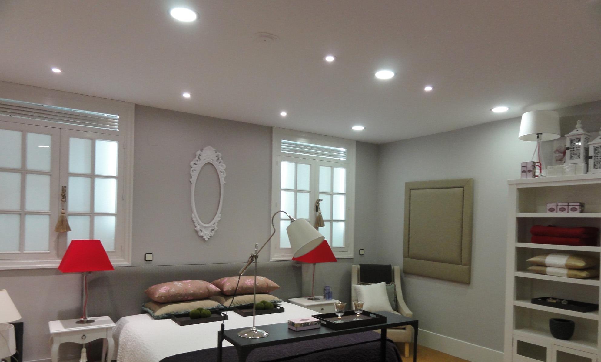 Квадратные потолочные светильники (56 фото светодиодные)