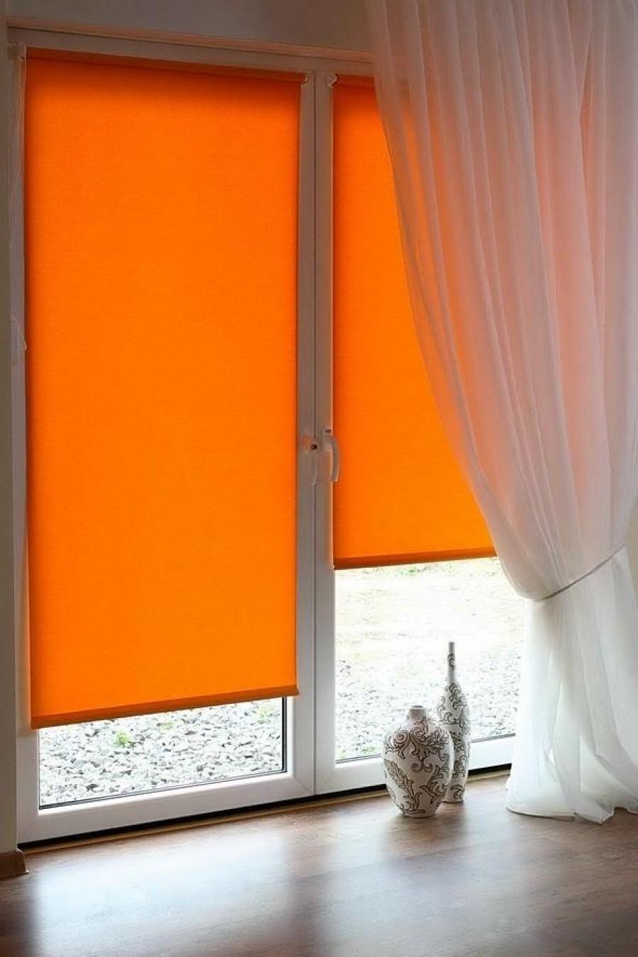 Защита от солнца на окна в квартире на кухне фото дизайн