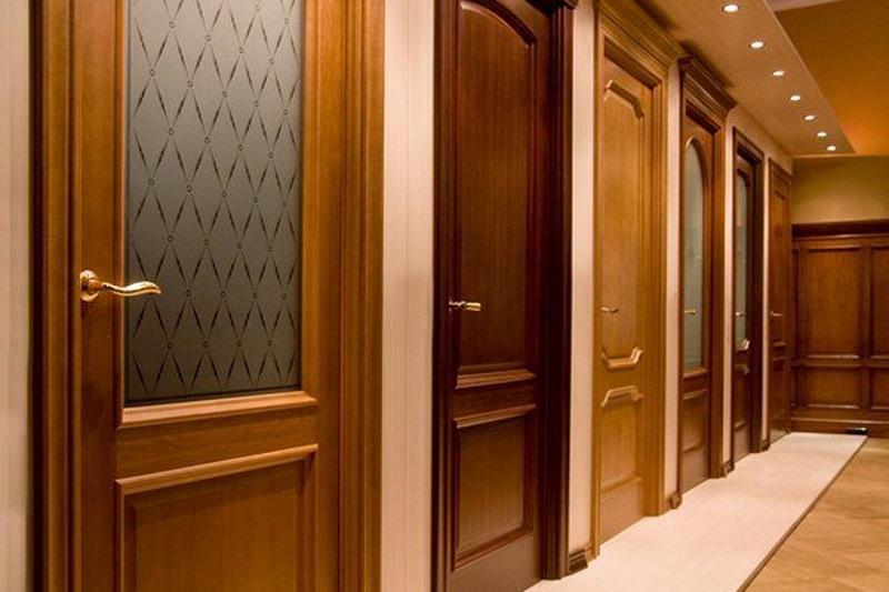 Межкомнатные двери из массива в СПб Купить деревянные
