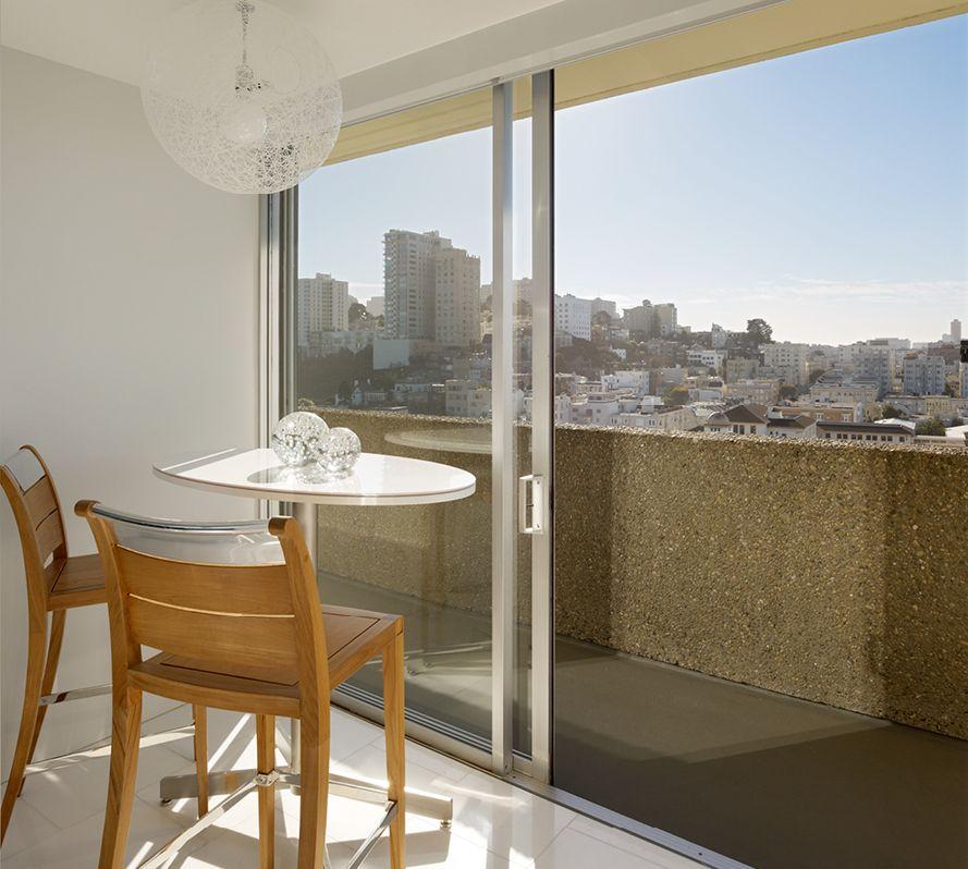 Раздвижные двери на балкон (36 фото): пластиковые балконные .