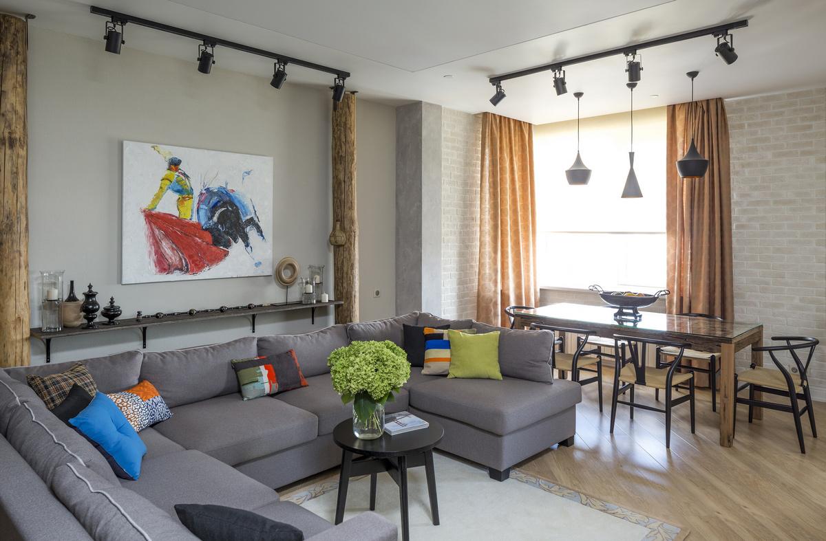 Светильники на штанге в интерьере квартиры