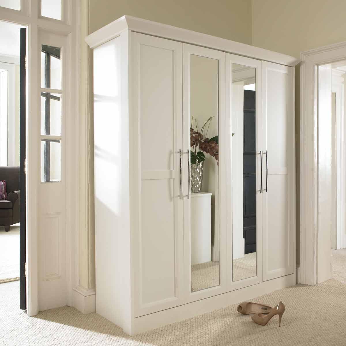 Распашной шкаф в прихожую (31 фото): современные модели с ра.
