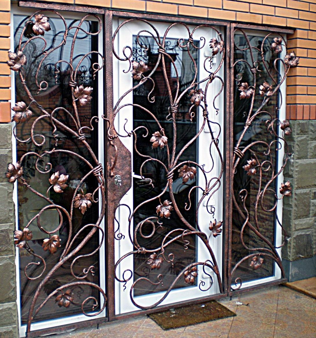 Двери решетчатые, как альтернатива металлической конструкции