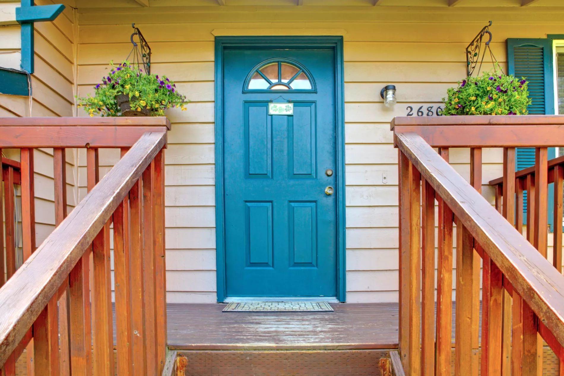 Входные двери для частного дома