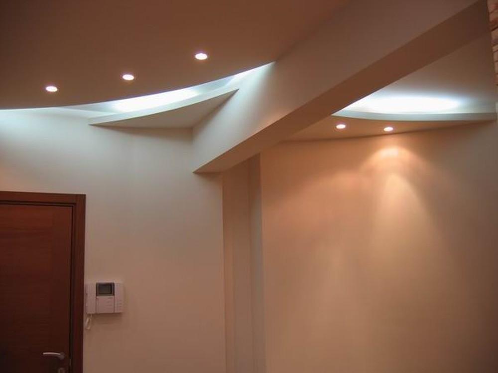 Дизайн прихожей в частном доме (104 фото): отделка и идеи оформления интерьера маленькой прихожей с лестницей 2018