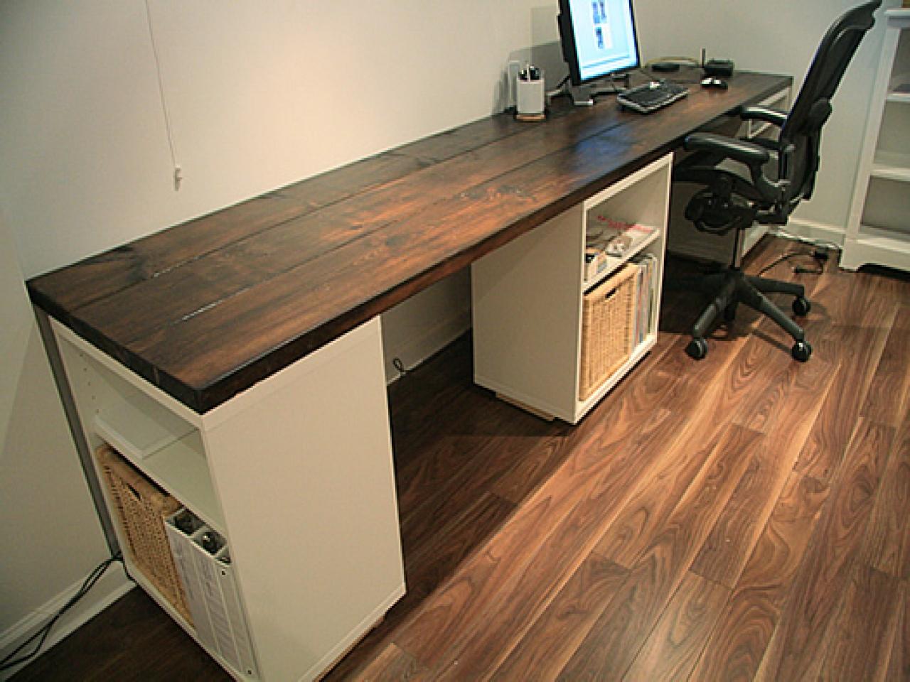 Письменный стол из кухонной столешницы