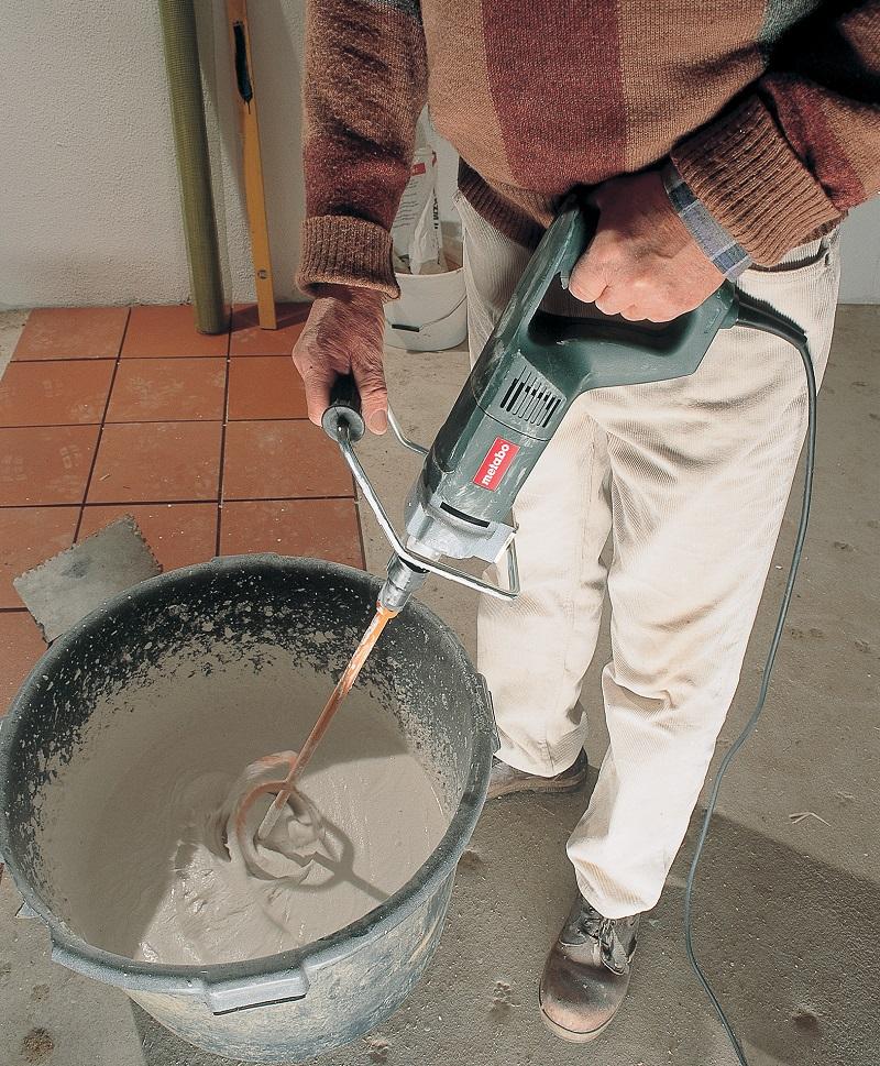 Для создания цементных и цементно-известковых штукатурных растворов в качестве вяжущего компонента наиболее часто используется:.