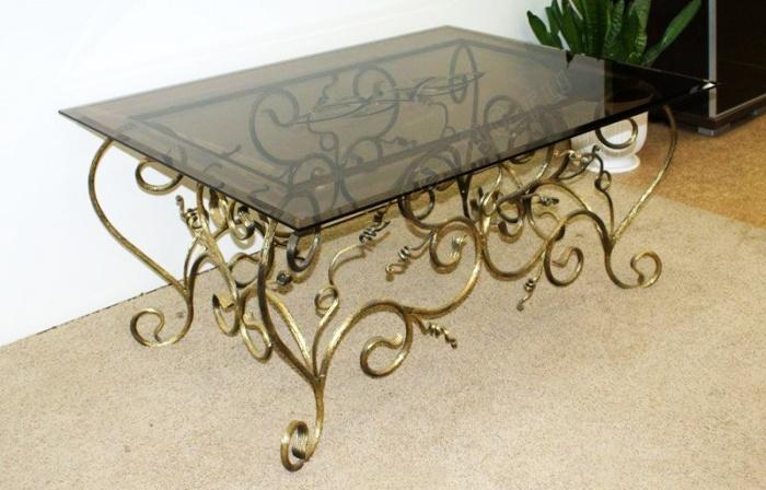 Кованый стол стеклянная столешница