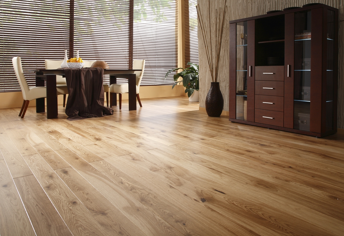 Vacuums for hardwood floors and tile