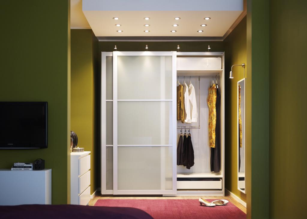 """Шкафы цвета """"венге"""" (27 фото): модели с черным стеклом в сов."""