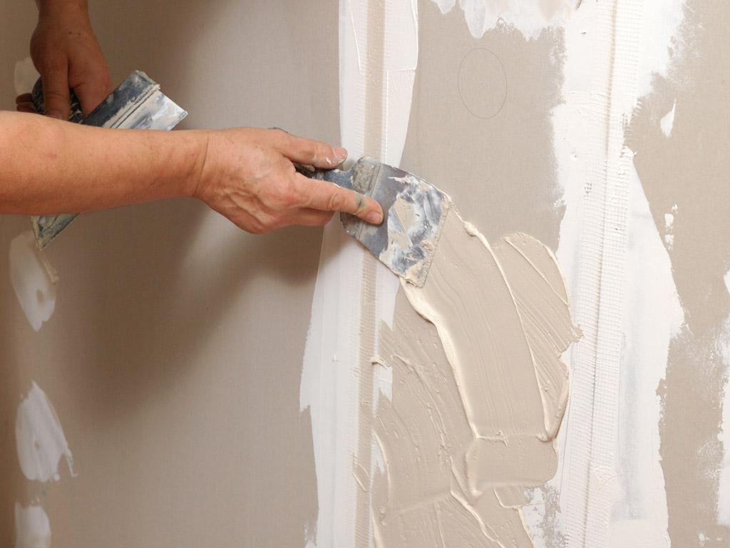 Как зашпаклевать стены под обои своими руками фото 899