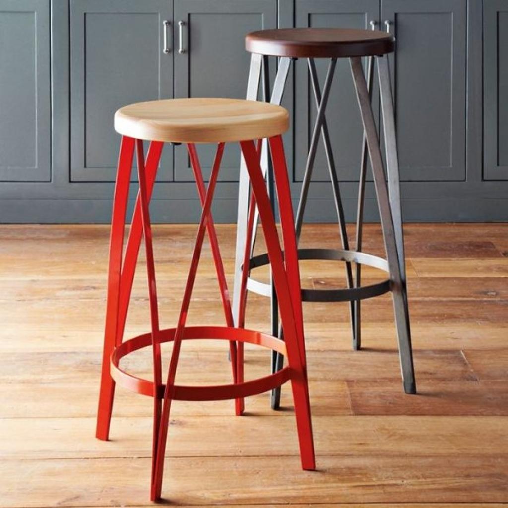 Как сделать барный стул из дерева своими руками