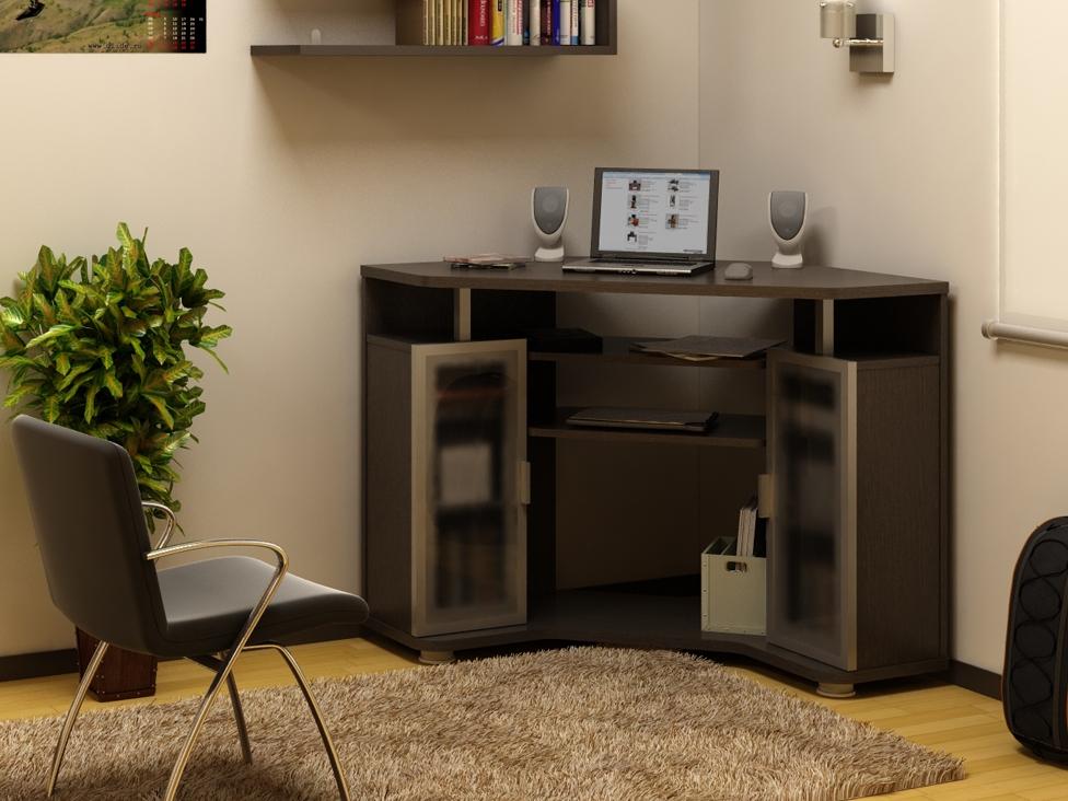 Компьютерный стол надстройка много шкафчиков.