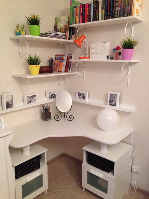 угловой туалетный столик стол для спальни и треугольная конструкция